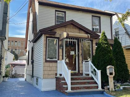 Multifamily for sale in 107-48 92 Street, Ozone Park, NY, 11417