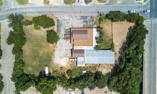 Comm/Ind for sale in 105 Country Club Road, Cleburne, TX, 76033