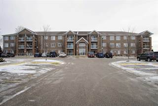 Condo for sale in 137 Sydenham Wells St 18, Barrie, Ontario