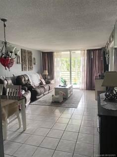 Residential Property for sale in 9480 Poinciana Pl 405, Davie, FL, 33324