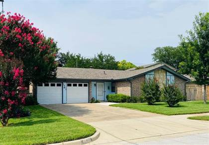 Residential for sale in 1511 Goliad Drive, Arlington, TX, 76012