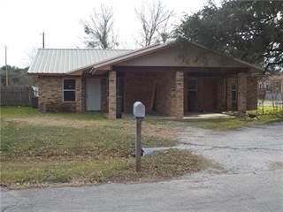 Multi-family Home for sale in 409 W Church Street, San Saba, TX, 76877