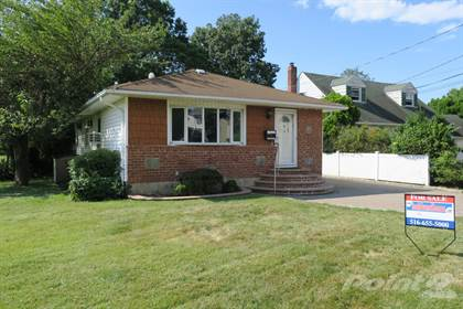 Residential for sale in 111 Heitz Pl., Hicksville, NY, 11801