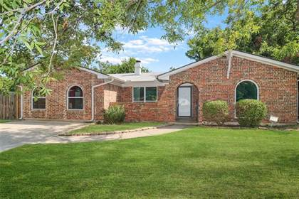 Residential Property for sale in 817 Chaparral Lane, Arlington, TX, 76012