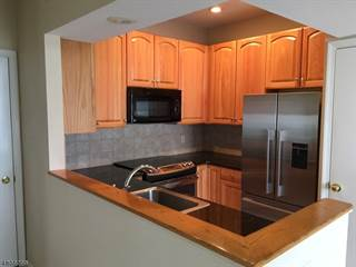 Townhouse for rent in 21 High Pond Ln, Pluckemin, NJ, 07921