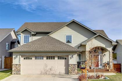 Single Family for sale in 606 West Highland Crescent, Carstairs, Alberta, T0M0N0
