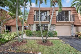 Townhouse for sale in 11120 N Harmony Lake Cir, Davie, FL, 33324