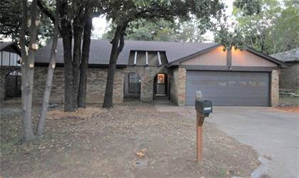Residential for sale in 5902 Scenic Forest Trail, Arlington, TX, 76016