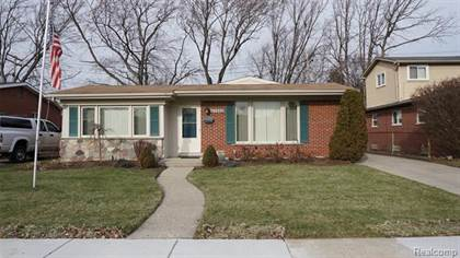 Residential for sale in 27262 MIDWAY Street, Dearborn Heights, MI, 48127