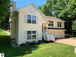 Photo of 421 Boughey Street, Traverse City, MI