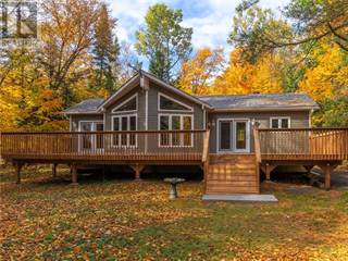 Single Family for sale in 11 GLEN ACRES ROAD, Huntsville, Ontario