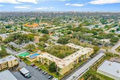 Residential Property for sale in 11485 OAKHURST ROAD 1200116, Largo, FL, 33774