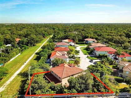 Residential Property for sale in 7144 SW 69th Ct, Miami, FL, 33143