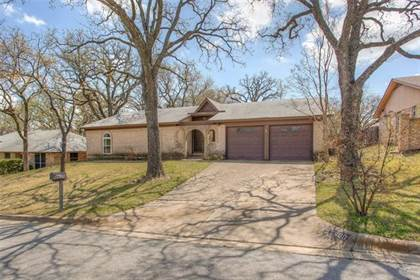 Residential for sale in 7600 Kell Drive, Fort Worth, TX, 76112