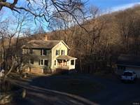 Photo of 131 Mountain Road, Cornwall-on-Hudson, NY