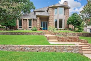 Photo of 2315 Castle Rock Road, Arlington, TX