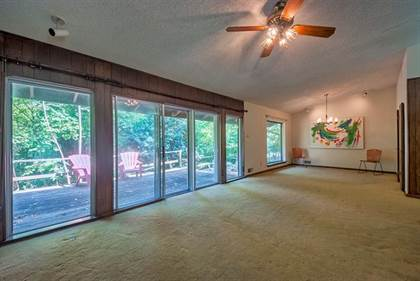 Residential for sale in 1425 Oates Drive, Dallas, TX, 75228