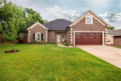 Residential for sale in 17504 Valley Crest, Oklahoma City, OK, 73012