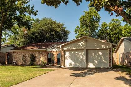 Residential for sale in 2516 Colleen Drive, Arlington, TX, 76016