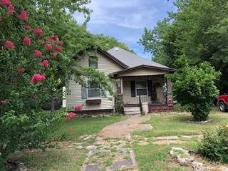 Single Family for sale in 608 E 14TH AVE, Winfield, KS, 67156
