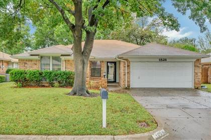 Residential Property for sale in 1828 Westcrest Drive, Arlington, TX, 76013