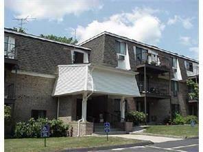 Condo for sale in 750 Quaker Lane B306, Warwick, RI, 02818