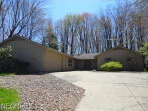 Single Family for sale in 17105 Woodleaf Rd, Strongsville, OH, 44136