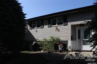 Residential Property for sale in 803 Seymour CRESCENT N, Regina, Saskatchewan, S4X 2B6