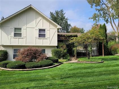 Residential Property for sale in 6980 SANDALWOOD Drive, Bloomfield Township, MI, 48301