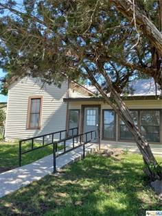 Residential Property for sale in 326 W Seguin Street, Marion, TX, 78124