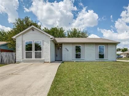 Residential for sale in 2333 Wildbriar Drive, Arlington, TX, 76014