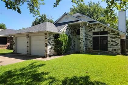 Residential for sale in 6301 Fairlane Drive, Arlington, TX, 76001