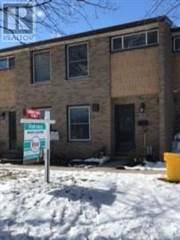Condo for sale in 640 WONDERLAND RD S, London, Ontario