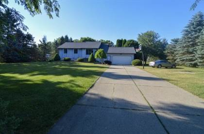 Residential Property for sale in 9011 Apple Orchard Dr, Fenton, MI, 48430