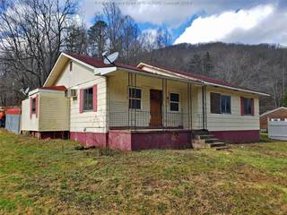Residential Property for sale in 96 Whitten Branch Road, Peytona, WV, 25154