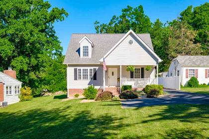 Residential Property for sale in 32 COLLEGE CIR, Staunton, VA, 24401