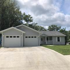 Single Family for sale in 314 Webster Street, Benton, IL, 62812