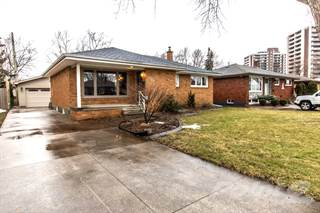 Residential Property for sale in 427 GREENDALE, Windsor, Ontario, N8S 4A5
