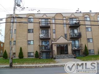 Residential Property for sale in 15000 Boul. Gouin O. 10, Montreal, Quebec
