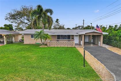 Residential Property for sale in 8520 NW 15th St, Pembroke Pines, FL, 33024