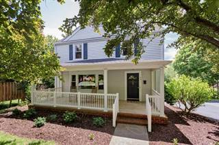 Single Family for sale in 401 COLLEGE CR, Staunton, VA, 24401
