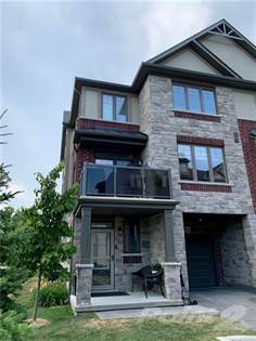 Residential Property for sale in 12 Andruss Lane, Ancaster, Ontario, L9G 0G7