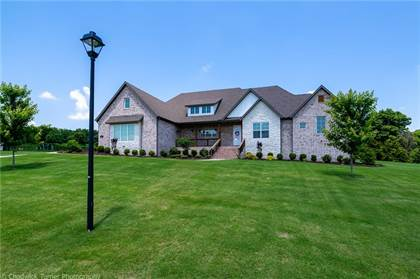 Residential Property for sale in 664 Knollwood  DR, Fayetteville, AR, 72703