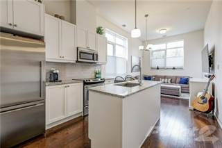 Apartment for sale in 15277 Yonge St Aurora Ontario L4G1N6, Aurora, Ontario, L4G1N6