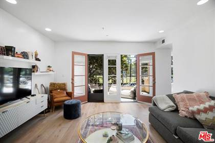 Residential Property for sale in 235 S Gale Dr 204, Beverly Hills, CA, 90211