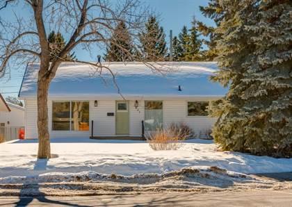 Single Family for sale in 2851 63 Avenue SW, Calgary, Alberta, T3E5J6