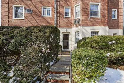Residential Property for sale in 3 Chateaux Circle N, Scarsdale, NY, 10583