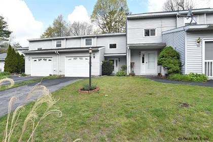 Residential Property for sale in 34 TALLOW WOOD DR, Greater Country Knolls, NY, 12065