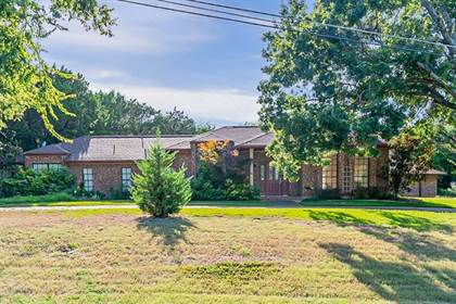 Residential for sale in 5707 Cliff Haven Drive, Dallas, TX, 75236