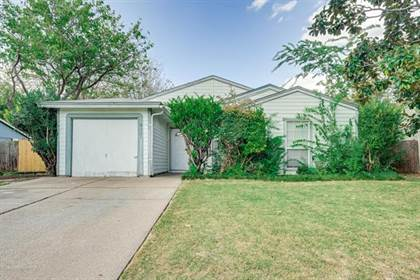 Residential for sale in 2331 Sunflower Drive, Arlington, TX, 76014